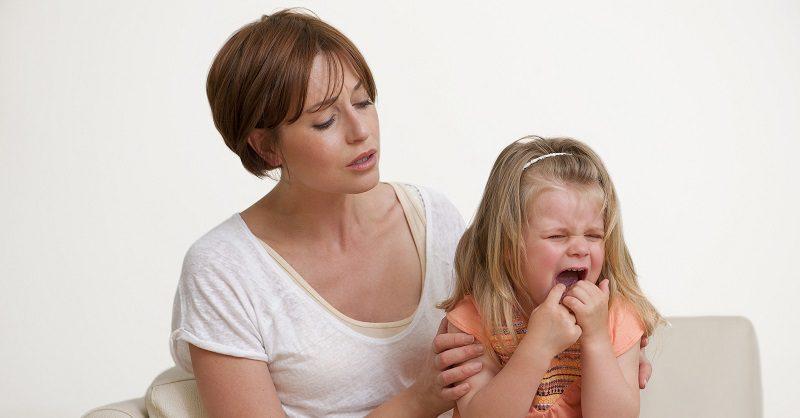 ребенок нервничает
