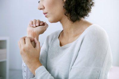 Начальная стадия псориаза: фото, симптомы и лечение